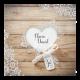 Moderne trouwkaart met steigerhout en hartvormige uitsnede