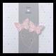 Romantische trouwkaart in grijze wikkel met zachtroze vlinders