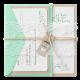 Trouwkaart in wikkel van echt kant met lieflijke details