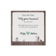 trouwkaart belarto met hout op achtergrond