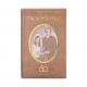 Originele uitnodiging in de vorm van een trouwboekje met goudfolie en eigen foto's.